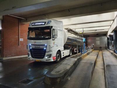 P Vissers Transport Vrachtwagen lossen